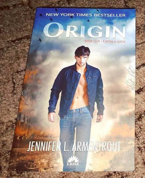 Seria Lux: Origin, Cartea a patra – Jennifer L. Armentrout