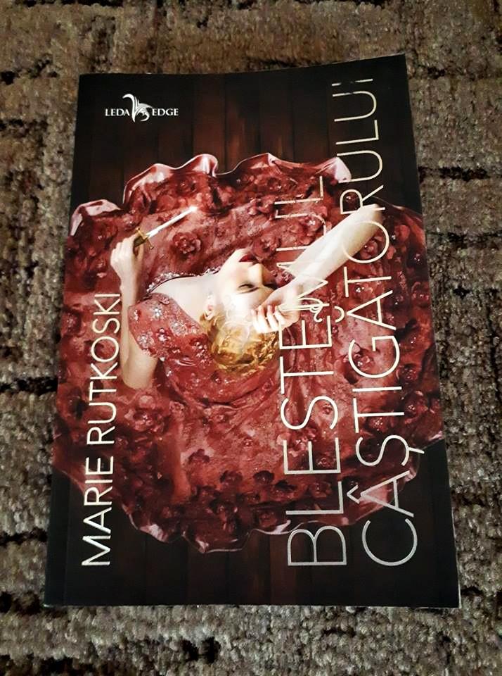 Trilogia castigatorului: Blestemul castigatorului ( #1) – Marie Rutkoski