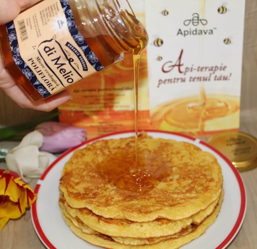 Pancakes cu miere ecologică polifloră di Melio de la Apidava