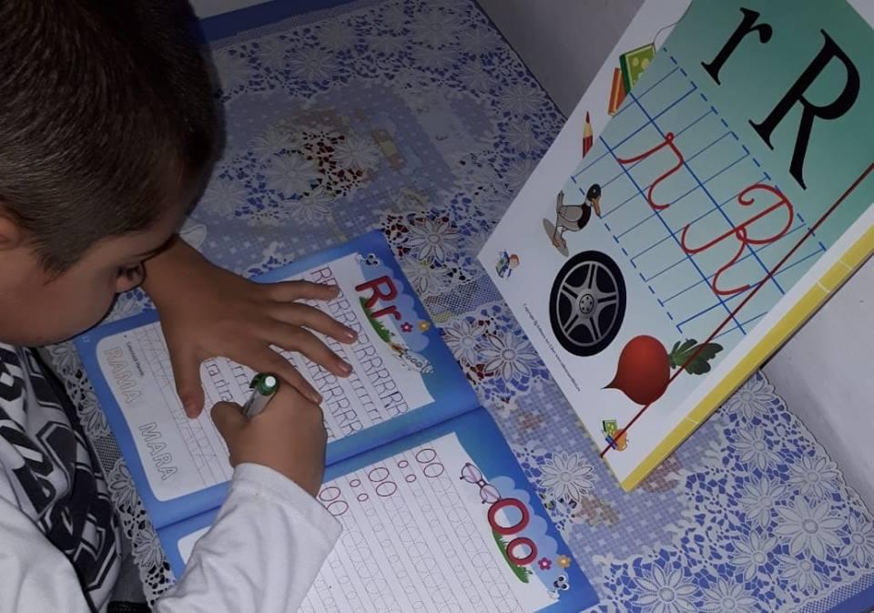 Caiet de scriere și Play English – clasa pregătitoare