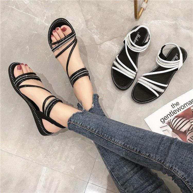 Sandale perfecte pentru vară de pe Neer.ro