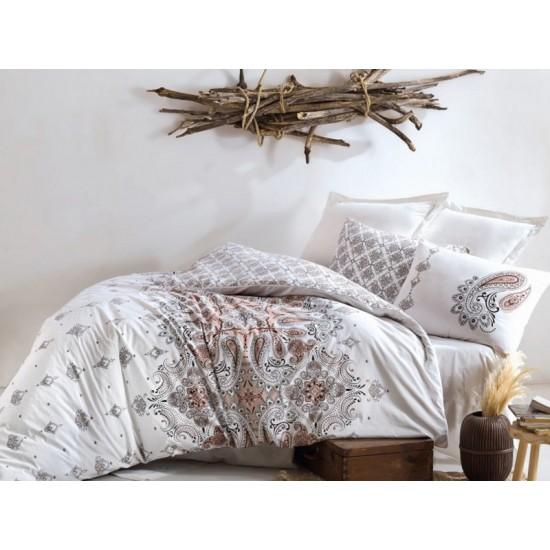Luxul unor lenjerii de pat bumbac sau simplitatea inului: ce sa alegi?