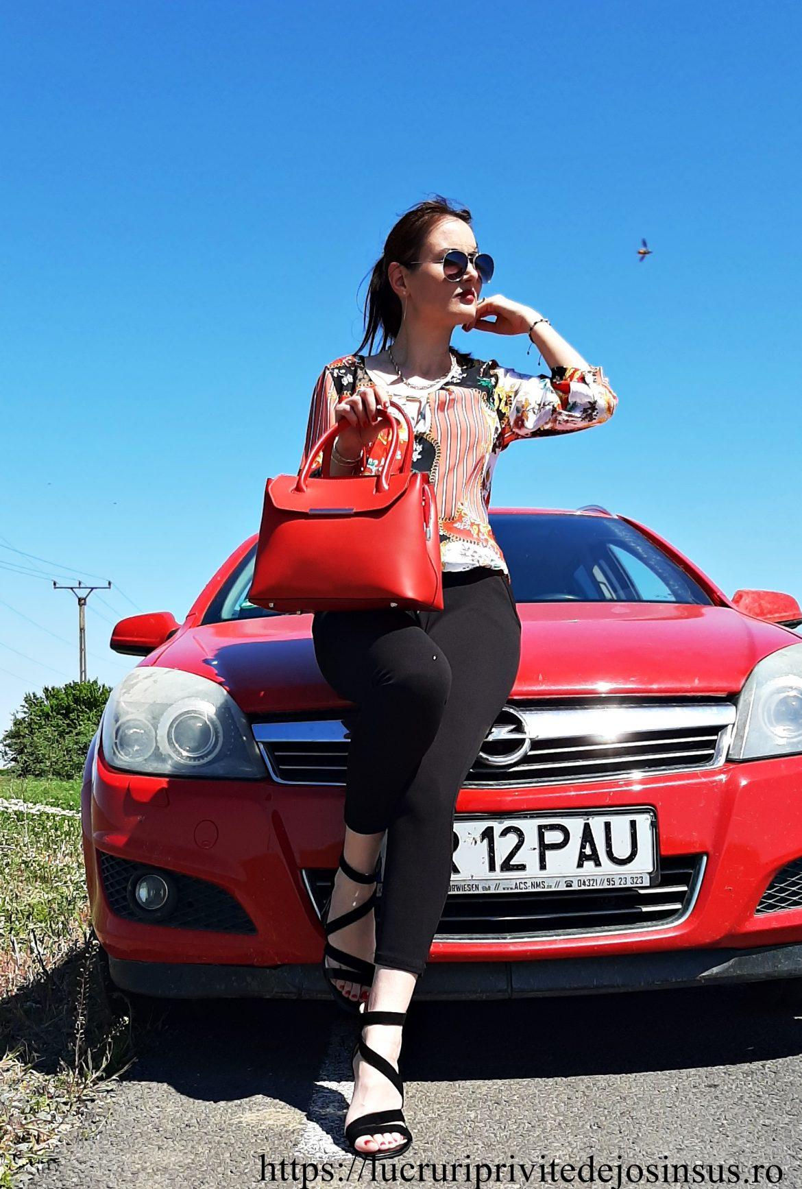 Rafinament, eleganță și stil: geantă roșie din piele naturală by Manier.ro
